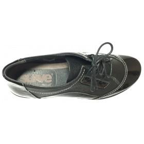 Suave 29 3065 Negro, zapato de mujer deportivo, piel y charol, cierre con cordones, piso de goma y plantilla extraíble
