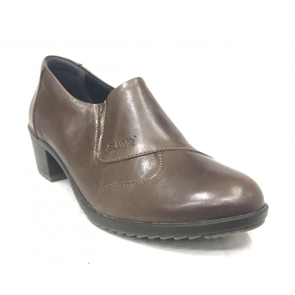 Suave 84m 3306 Saddle, Marrón, zapato abotinado de mujer, piel, elásticos, piso de goma con tacón de 5 cm y plantilla extraíble