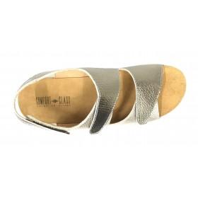 Comfort Class 02 121 Cava, Sandalia de Mujer dorada de piel, dos velcros amplios, piso de goma con cuña de 4 cm y plantilla