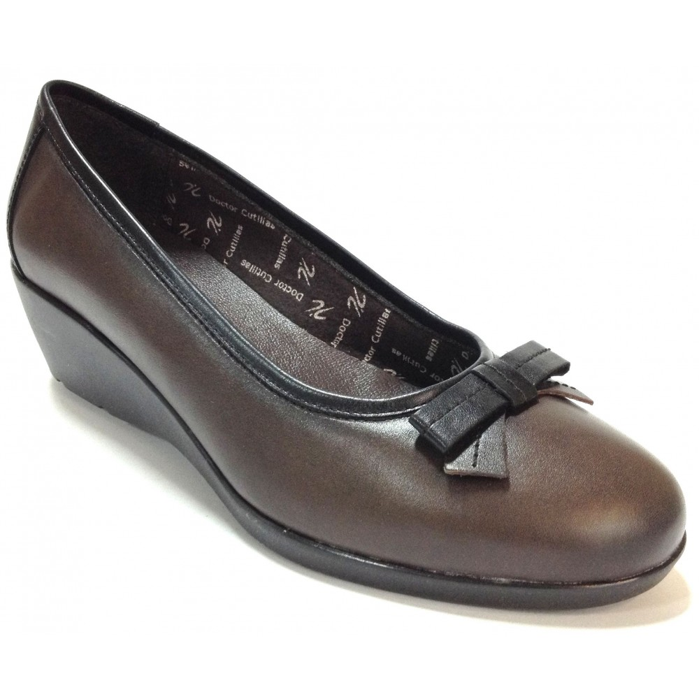 Doctor Cutillas 01 64211 Combi-Pardo zapato salón, piel marrón, cuña de 4,5 cm, adorno lazo puntera, forro textil