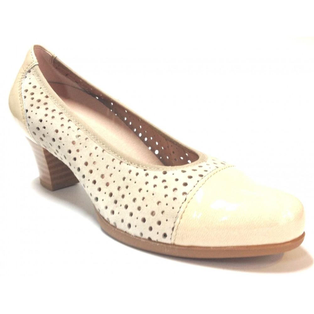 Pitillos 03 1242 zapato calado de mujer beige piedra hielo, piel serraje nubuck charol, tacón, piso de goma antideslizante