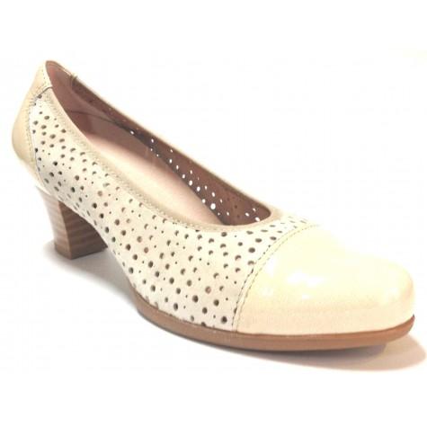 Pitillos 03 1242 zapato calado de mujer beige